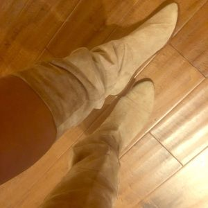 Vintage Soft suede Nine West flat boots